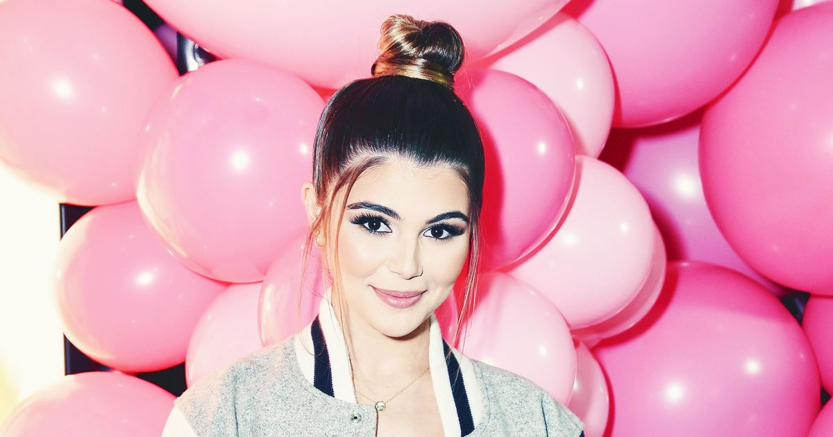 Vloggers Welcome Their Queen Olivia Jade at L.A. Party