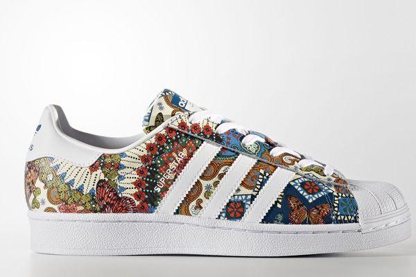 Women's Originals Superstar Shoes