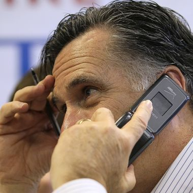 MANCHESTER, NH - JANUARY 09:  Republican presidential candidate, former Massachusetts Gov. Mitt Romney makes calls to likely voters at his New Hampshire campaign headquarters on January 9, 2012 in Manchester, New Hampshire.  With one day to go before the New Hampshire primary, Mitt Romney is making one final campaign push through the state.  (Photo by Justin Sullivan/Getty Images)