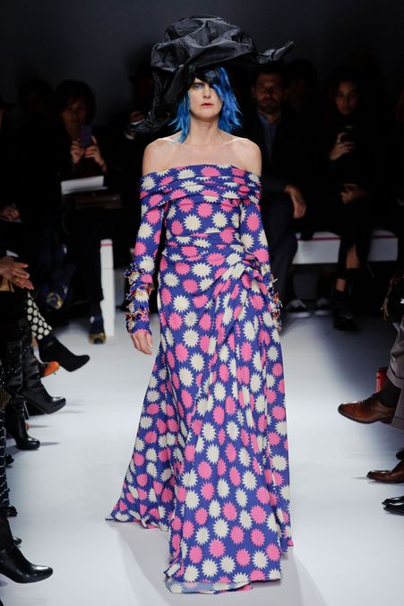 Photo 1 from Schiaparelli