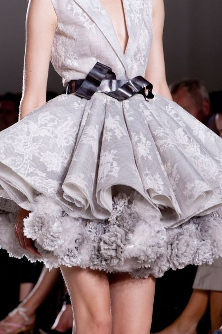Detail Photo 1 from Giambattista Valli