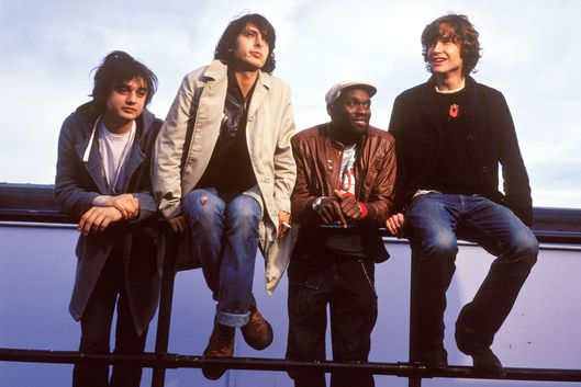 Photo of Carl BARAT and Pete DOHERTY and LIBERTINES and John HASSALL and Gary POWELL