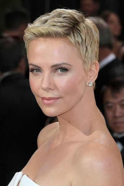 Zoom on This: Charlize Theron's New Hair/Everything