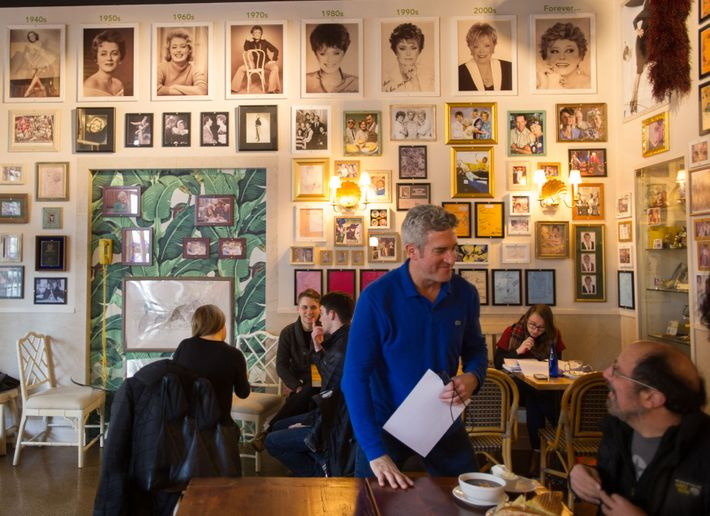 Rue La Is The New Golden Girls Themed Cafe In Nyc