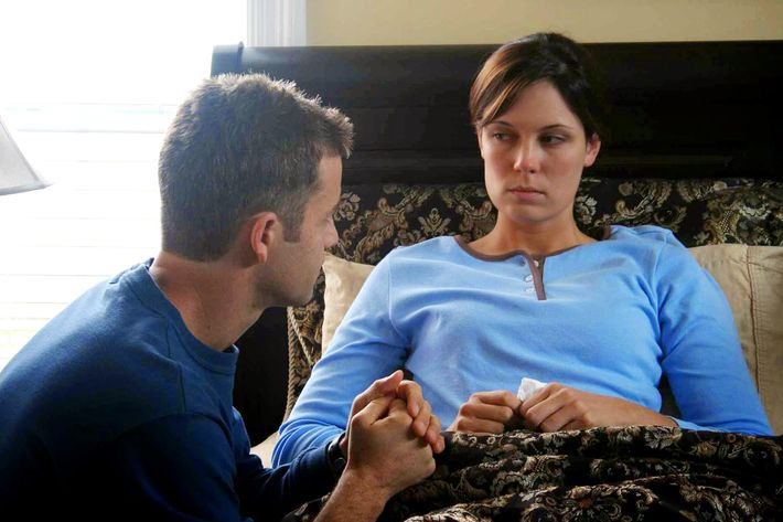 Kirk Cameron and Erin Bethea in <em>Fireproof</em>