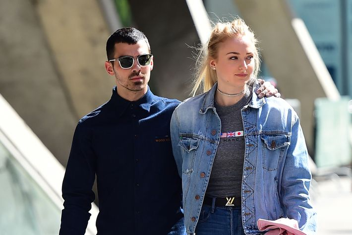 Sophie Turner Finds Dating Joe Jonas Easy