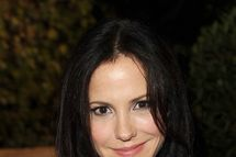 """BEVERLY HILLS, CA - OCTOBER 19:  Actress Mary-Louise Parker attends Summit Entertainment's """"A Better Life"""" DVD and Blu-Ray launch party at Culina Restaurant at the Four Seasons Los Angeles on October 19, 2011 in Beverly Hills, California.  (Photo by Jason Merritt/Getty Images)"""