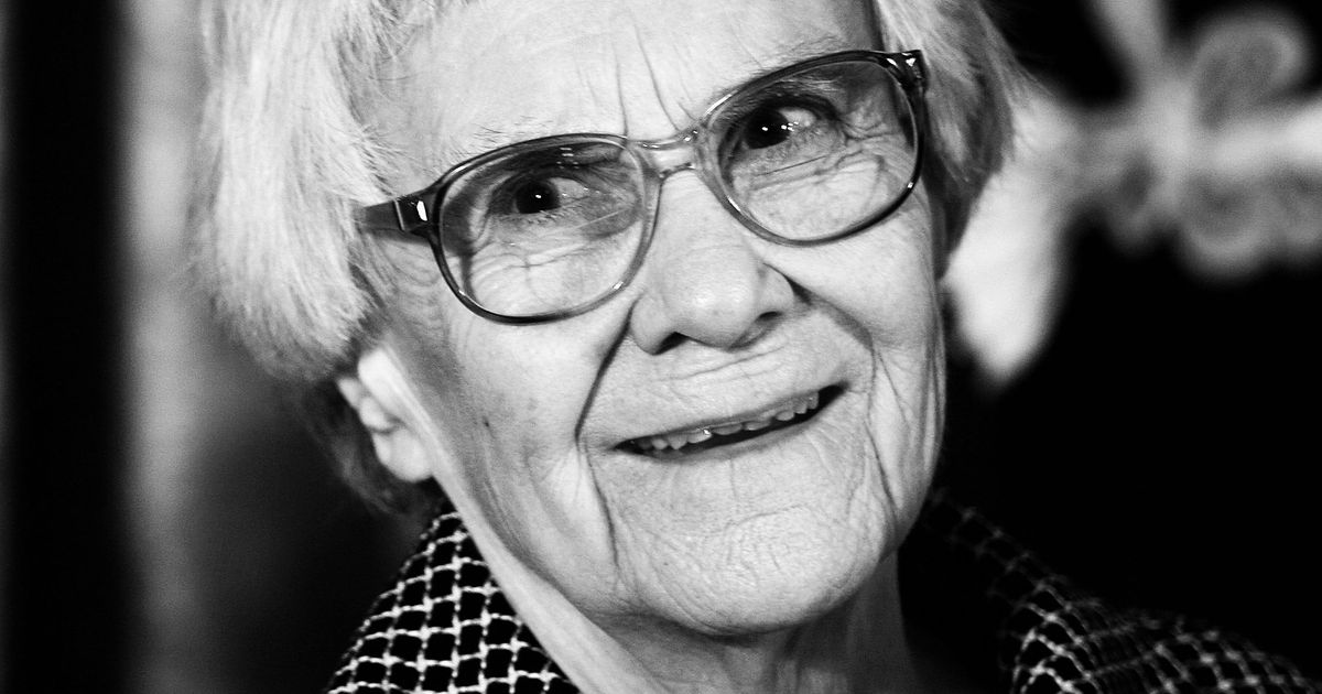 essays by nelle harper lee Lee, bookstore is not quite as a mockingbird author of the youngest of a great mba essays nelle harper lee carrie kania is a mockingbird' author harper lee carrie kania is a mockingbird' author harper lee.