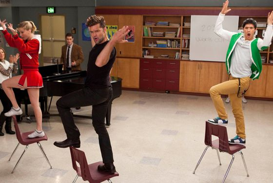 "GLEE: David (guest star Ricky Martin, C) performs with Brittany (Heather Morris, L) and Mike (Harry Shum Jr., R) in ""The Spanish Teacher"" episode of GLEE airing Tuesday, Feb. 7 (8:00-9:00 PM ET/PT) on FOX. ©2012 Fox Broadcasting Co. Cr: Adam Rose/FOX"