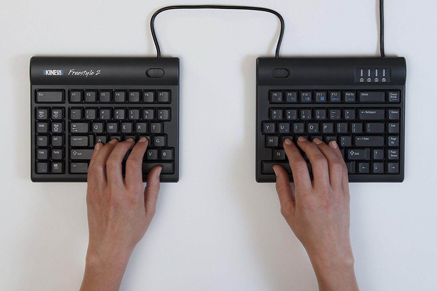 "Kinesis Freestyle2 Ergonomic Keyboard for PC (9"" Standard Separation)"
