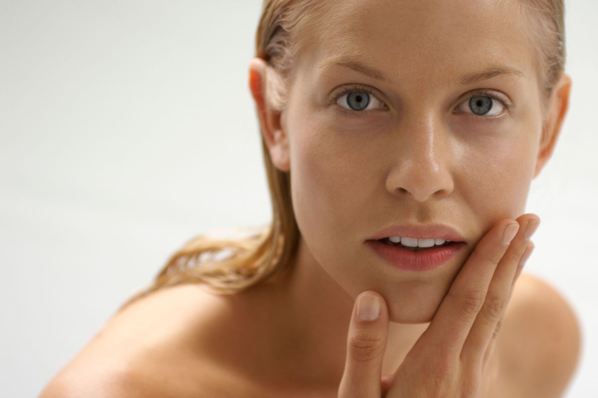 Выпадение волос у женщин 400-500 волос в день