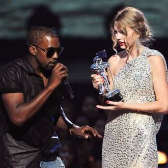 Taylor Swift Talks Kanye Scott Borchetta In Rolling Stone