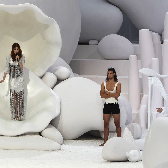 Best fashion show moment of the spring 2012 season.