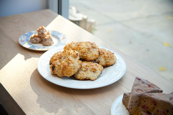 Lemon-currant scones in the middle.