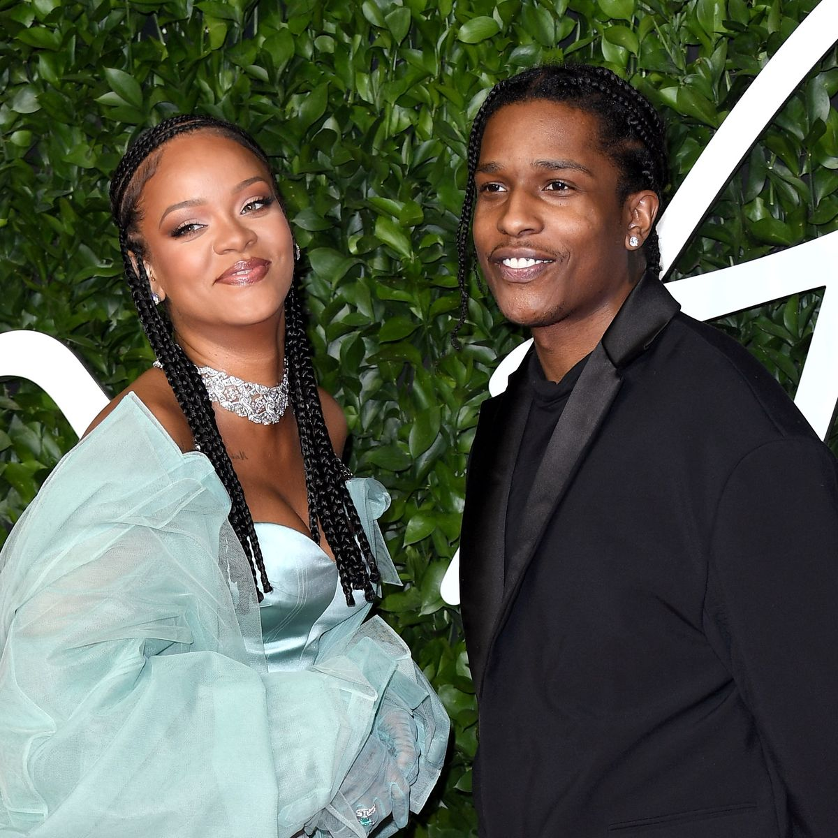 who is rihanna dating right now