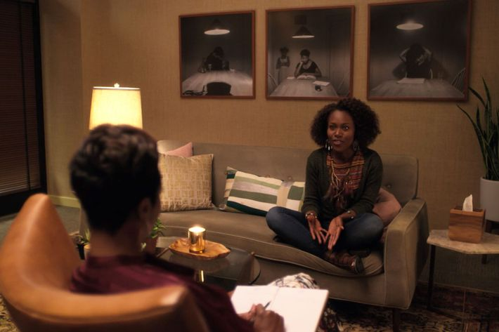 Women Go to Therapy on She's Gotta Have It