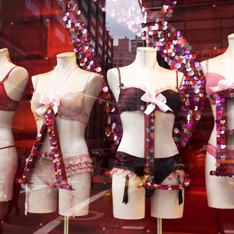 A Victoria's Secret store window in midtown Manhattan January 8th, 2009 in New York. Victoria's Secret stores sales were down 9 percent in December. AFP PHOTO/DON EMMERT (Photo credit should read DON EMMERT/AFP/Getty Images)