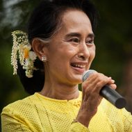 Aung San Suu-Kyi Visits Kawhmu During Campaign Trail