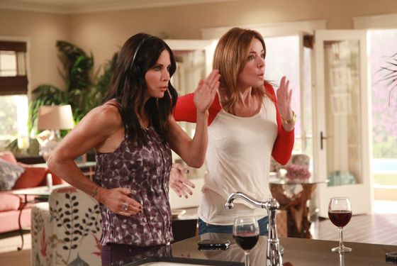 "COUGAR TOWN - ""A One Story Town"" - Jules and the gang decide Bobby needs some help romancing Angie (guest star Sarah Chalke) so they launch ""operation kiss-the-girl."" Meanwhile, other former ""Scrubs"" cast turn up, as Ted (Sam Lloyd) and the Peons pass through on their way to audition at Disney World, on ""Cougar Town,"" TUESDAY, MARCH 13 (8:30-9:00 p.m., ET) on ABC. (ABC/RICHARD CARTWRIGHT) COURTENEY COX, CHRISTA MILLER"