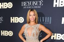 """Beyonce  Knowles attends  """"Beyonce: Life Is But A Dream"""" New York Premiere  at Ziegfeld Theater on February 12, 2013 in New York City."""
