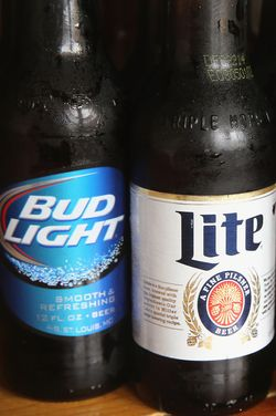 World's Two Biggest Beer-Makers Agree to Become Single Beer-Making Superpower