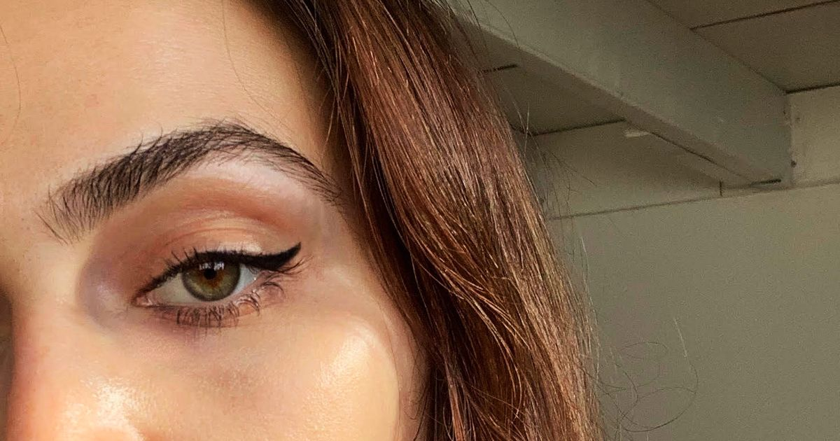 This Eyeliner Makes Creating an Eye Wing Ridiculously Easy