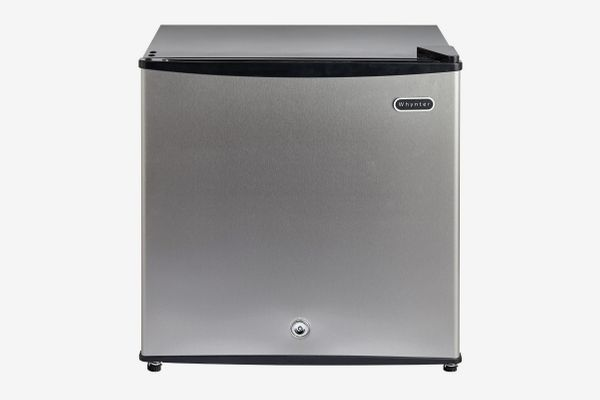 Whynter 1.1 Cubic Feet Energy Star Upright Freezer With Lock