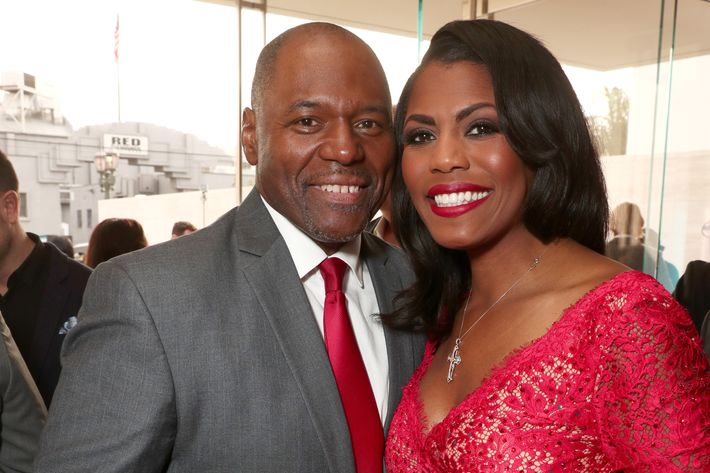 Omarosa Manigault marries John Allen Newman in Trump Hotel