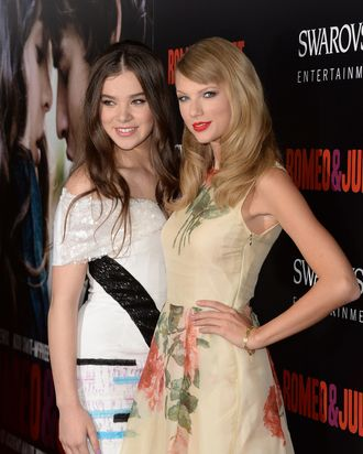 Taylor Swift Is Hailee Steinfeld S Big Sister