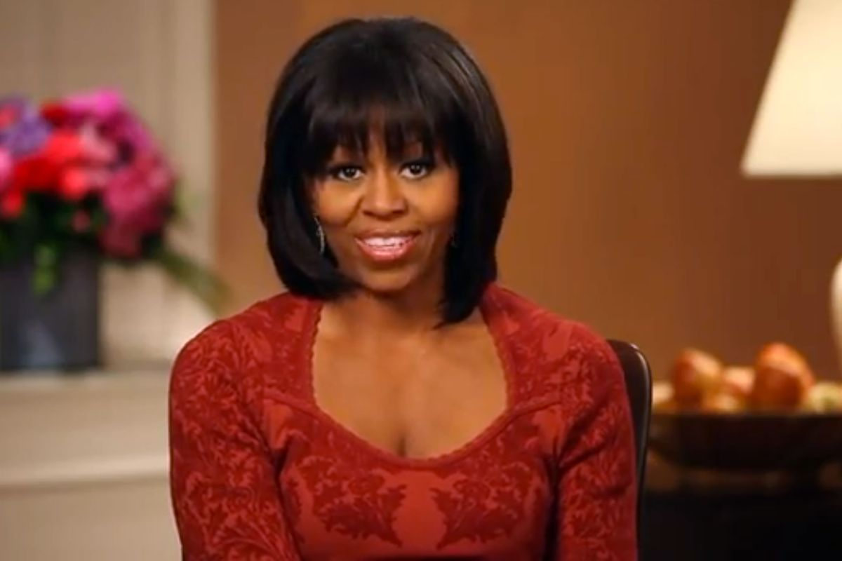 is michelle obamas bangs real hair or a wig the dawg shed