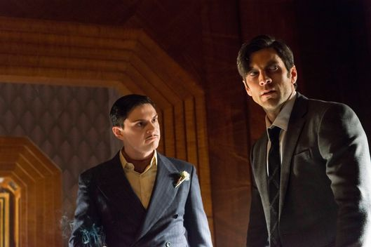 "AMERICAN HORROR STORY -- ""The Ten Commandments Killer"" Episode 508 (Airs Wednesday, December 2, 10:00 pm/ep) Pictured: (l-r) Evan Peters as Mr. March, Wes Bentley as John Lowe. CR: Prashant Gupta/FX"