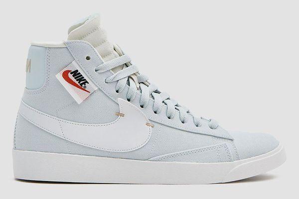 Nike W Blazer Mid Rebel Sneaker in Ghost Aqua/Summit