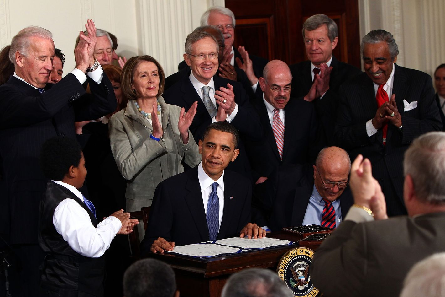 what is obama care The patient protection and affordable care act, often shortened to the affordable care act (aca) or nicknamed obamacare, is a united states federal statute enacted by the 111th united states congress and signed into law by president barack obama on march 23, 2010.