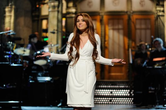 "SATURDAY NIGHT LIVE -- ""Miley Cyrus"" Episode 1592 -- Pictured: Miley Cyrus -- Photo by: Dana Edelson/NBC/NBCU Photo Bank"