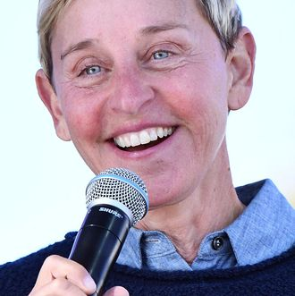 ellen degeneres announces her first standup tour in 15 years