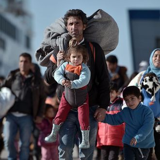 TOPSHOT-GREECE-MIGRANTS-EUROPE