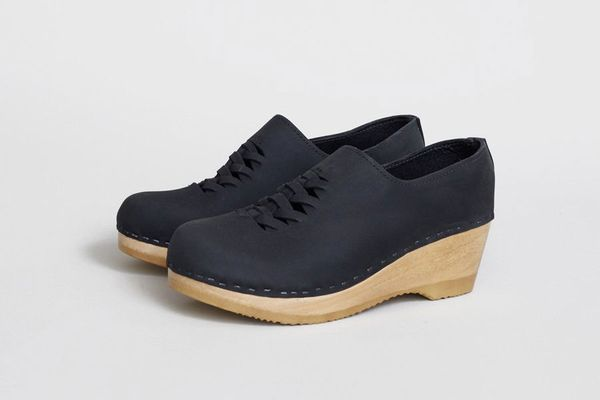 No. 6 Issa Closed Back Clog on Mid Wedge