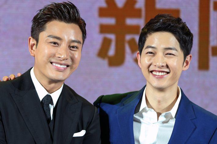 Chinese Actor Jia Nailiang And South Korean Song Joong Ki Have That Lambent Glow Photo VCG