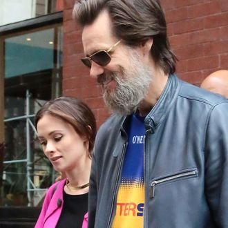 Jim Carrey's on-off girlfriend reportedly commits suicide in LA *FILE PHOTOS*