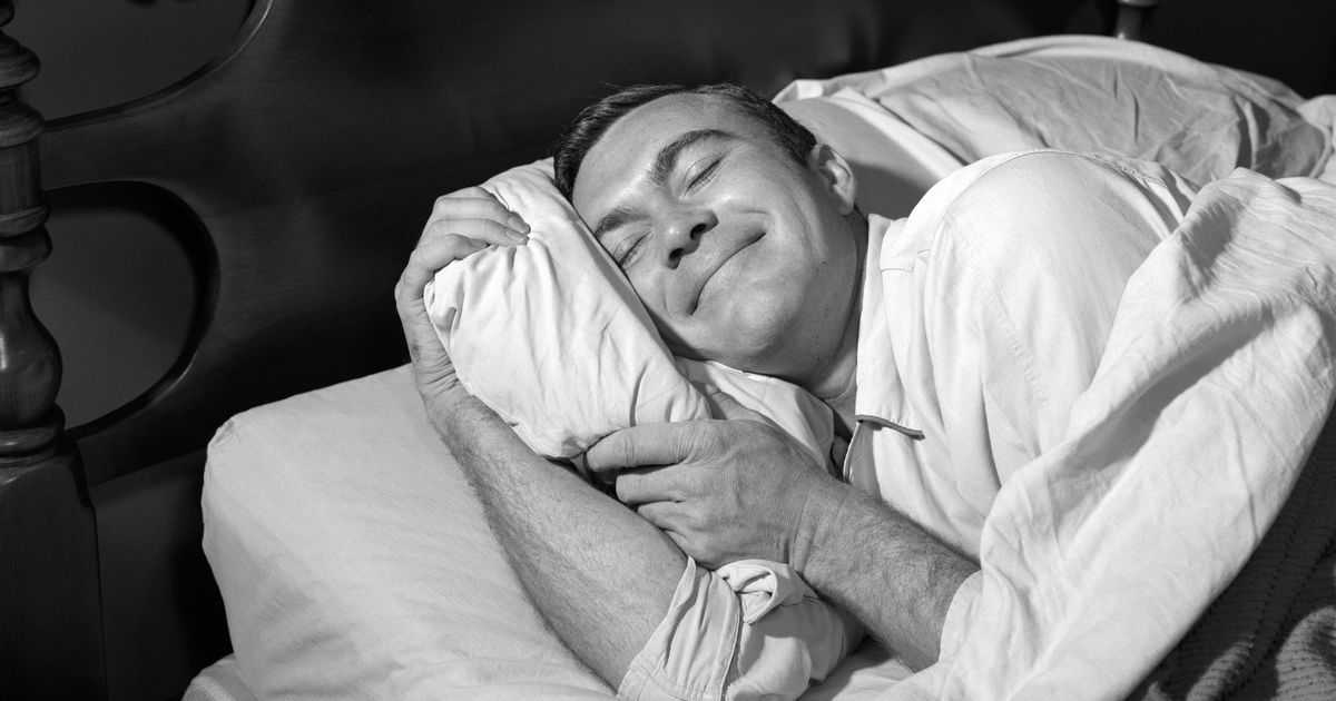 9 Things to Help You Fall Asleep, According to Science