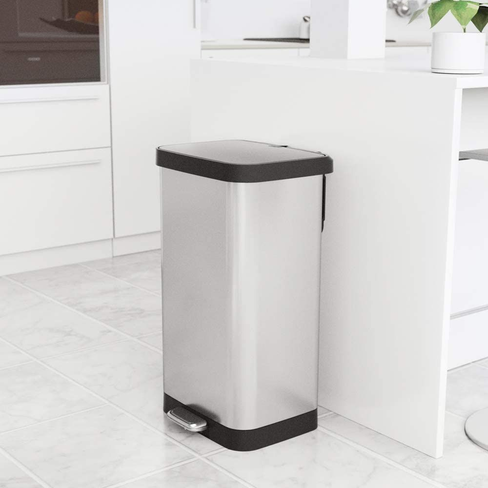 15 Best Kitchen Trash Cans 2021 The Strategist New York Magazine