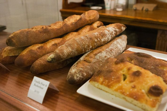 The aroma of freshly baked bread wafts through the lobby at 40 Worth.