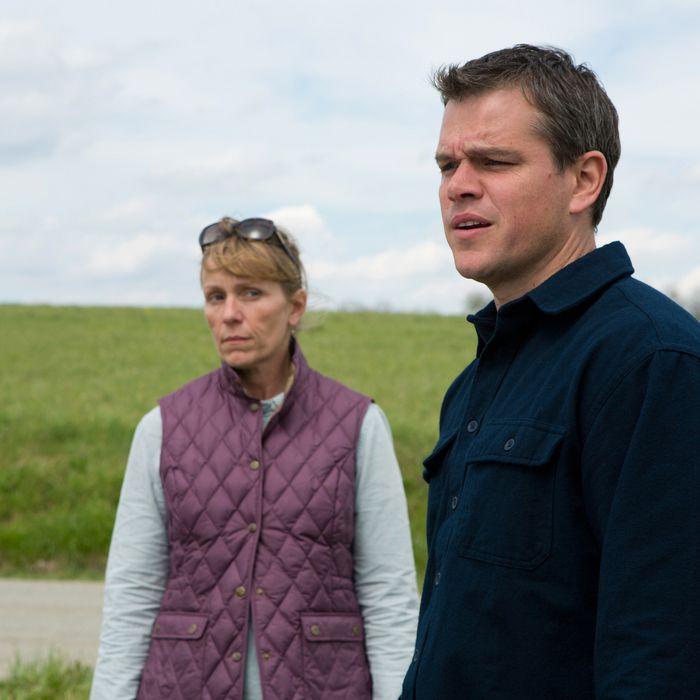 (l to r) Frances McDormand stars as Sue and Matt Damon stars as Steve in Gus Van Sant's PROMISED LAND.