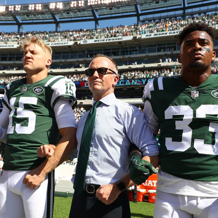 Jets Owner Will Pay Fines If Players Protest During Anthem