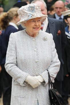 BROMLEY, ENGLAND - MAY 15:  Queen Elizabeth II visits Bromley town centre as part of her Diamond Jubilee tour of the country on May 15, 2012 in Bromley, England.  (Photo by Chris Jackson/Getty Images)