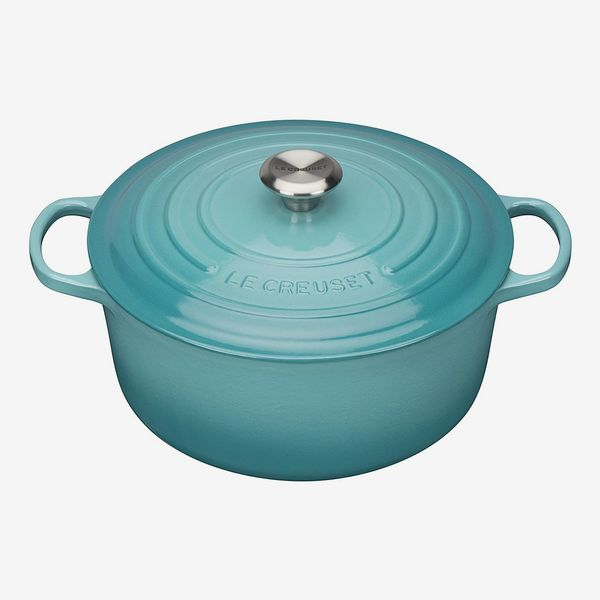 Le Creuset Signature Enameled Cast Iron Round Casserole Dish With Lid