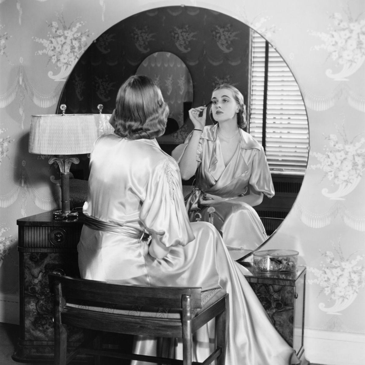 15 Best Makeup Vanity Tables 2019 The Strategist New York Magazine