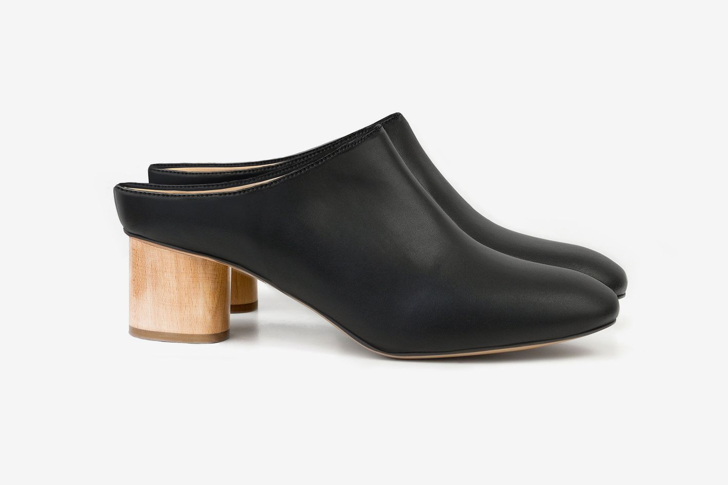 Sydney Brown Low Mule Black