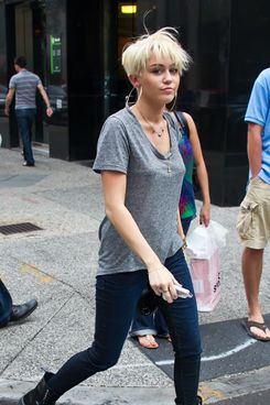 Miley Cyrus is seen leaving Tumi store in Philadelphia, PA.