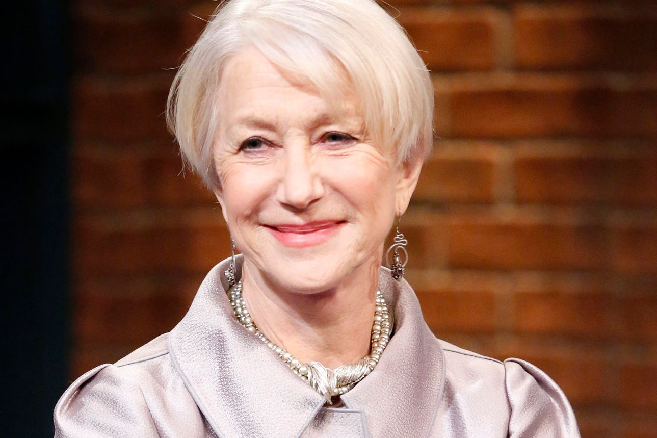 Helen Mirren Talks Hollywood S Pay Gap Sexist Journalists And Why She S Rooting For Hillary Clinton